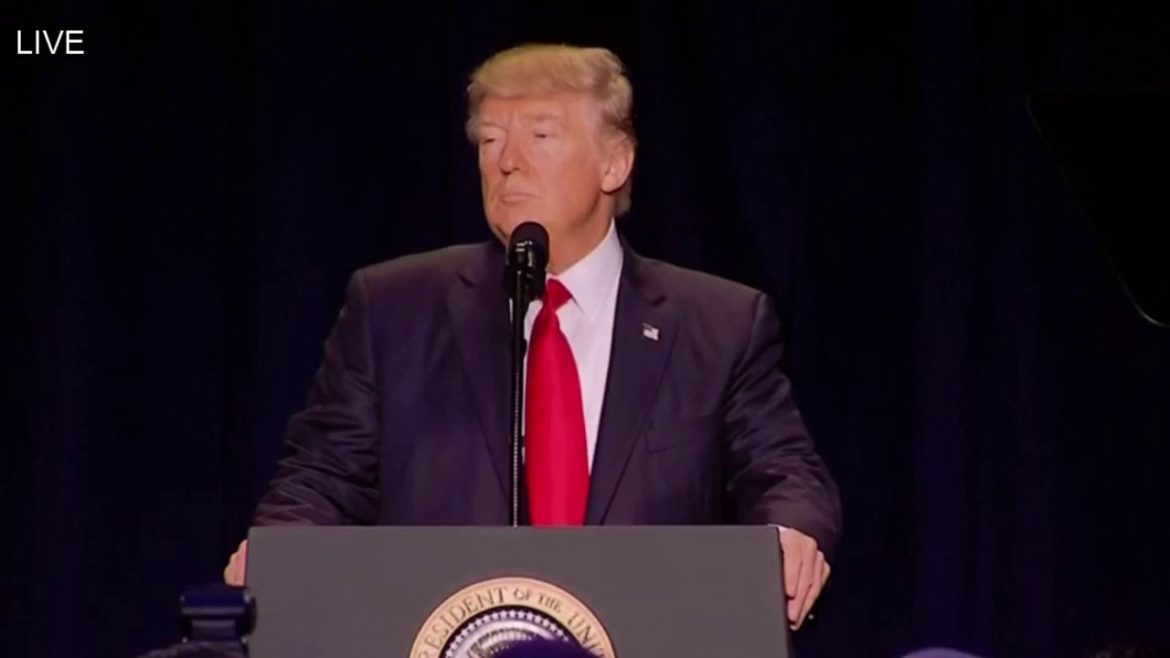 President Trump gives the Glory to God at 2017 Prayer Breakfast