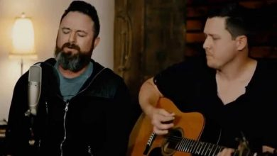 Finding Favour // Cast My Cares // New Song Cafe